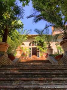 ingresso orto  scalinata